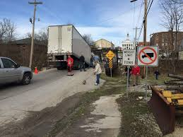 2015 volvo semi truck truck takes out a bridge the truckers forum