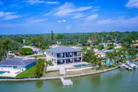 4 bedroom luxury waterfront home for sale in seminole fl