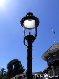 Main Street Lighting Disneyland U0027s Antique Gas Lamps Disneyland Facts U0026 History