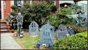 20 spooky halloween themed landscape ideas