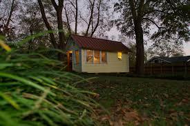 uga students donate tiny house to organic farmer in middle georgia