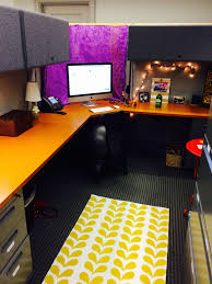 articles with ideas to decorate your office cubicle for halloween