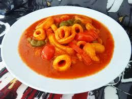 cuisiner les encornets encornets sauce pimentée la recette facile par toqués 2 cuisine