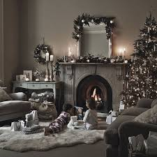 Decorate Christmas Tree At Home by The 25 Best Christmas Living Rooms Ideas On Pinterest Ornaments