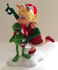 disney parks muppets miss piggy kermit mistletoe