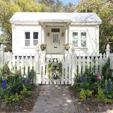 French Cottage Decor 25 Best White Cottage Ideas On Pinterest Cottages Cottage And
