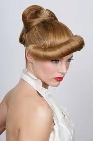 cuisiner des chignons en boite chignon alain divert les plus belles coiffures de mariée aufeminin