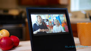 amazon echo show review alexa u0027s screen shows promise slashgear
