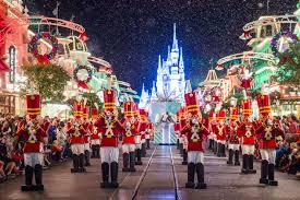 when do the walt disney world resort christmas decorations go up