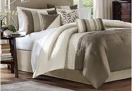 Queen Sized Comforters Rooms To Go Queen Size Bedding Guide Queen Bed Sets