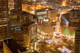 Indianapolis Circle Of Lights Holiday Getaway To Indianapolis Midwest Living