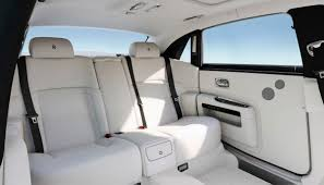 rolls royce interior 2017 dawn u0026 ghost win two top awards the perfect start to 2017
