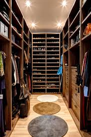 Furniture For Walk In Closet by Best 25 Walking Closet Ideas On Pinterest Master Closet Design