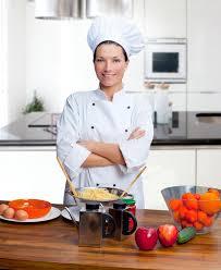chef cuisine femme verticale de femme de chef dans la cuisine image stock image du