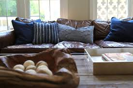 Sofa With Pillows The Right Pillows For A Leather Sofa