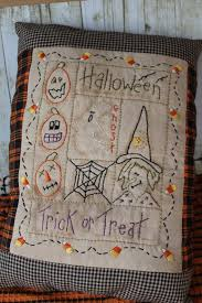 Halloween Home Decor Patterns by Best 25 Primitive Halloween Crafts Ideas On Pinterest Primitive