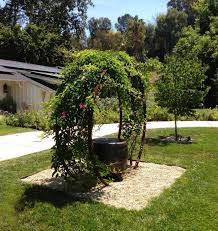 Garden Trellis Archway These Metal Garden Trellises Are Beautiful With Or Without Plants