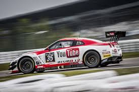 nissan nismo race car building the nissan gt r nismo gt3 carwitter