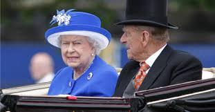 Queen Elizabeth Donald Trump Can The Queen Legally Kill President Trump With A Sword