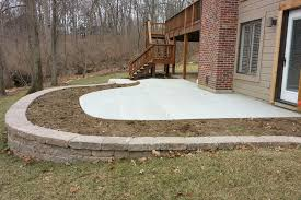 Retaining Wall Patio Concrete Patio With Retaining Wall Truecrete