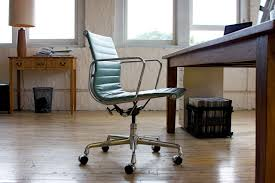 Charles Eames Chair Original Design Ideas Outstanding Original Eames Style Office Chair With Molded Plastic