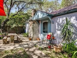 soco bungalow in travis heights location vrbo