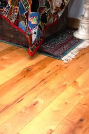 Laminate Wide Plank Flooring Maple Wide Plank Floors Benefits And Uses