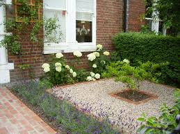 Gardening Ideas For Front Yard This Garden Is In Shade All Day So They Created A Woodland