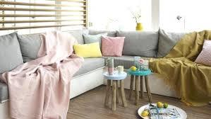 retapisser un canapé d angle couvrir un canape plaid pour recouvrir comment coudre housse de
