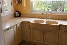 cuisine travertin plans de travail de cuisine crédences en travertin marbrerie arnaud