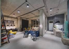 Urban Loft Style - a modern office space that looks like an urban loft
