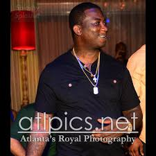 gucci mane wears christian louboutin rollberboy spikes at t i and