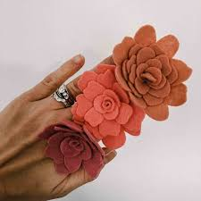 felt flowers learn how to make a felt flower step by step