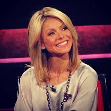 kelly ripa hair style love kelly ripa s hair i will also make it my personal goal to be