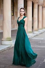 Custom Made Wedding Dresses Uk Emerald Green Bridesmaid Dresses With Straps V Neck Long Chiffon