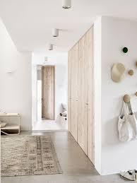 maison home interiors binnenkijken in een prachtig zweeds huis dan neutral color