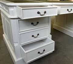le de bureau style anglais bureau anglais 180 cm acajou laqué blanc meuble de style