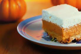 cake recipes for thanksgiving kruizing with kikukat thanksgiving memories pumpkin crunch cake
