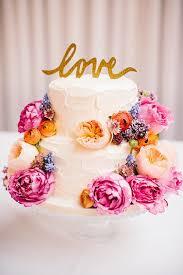 wedding cake flower 15 amazing wedding cakes decorated with flowers style motivation