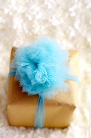 gift bow diy diy tulle gift bow tutorial the gracious