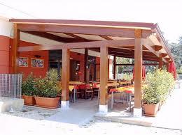 prezzi tettoie in legno per esterni grandi strutture in legno lamellare