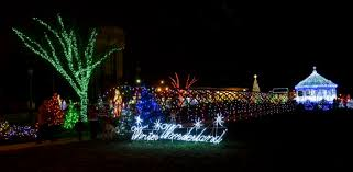 christmas light displays in ohio 13 places to see the best christmas lights in cleveland