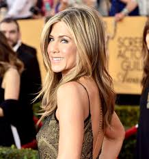 jennife aniston nude jennifer aniston and more celebs share their biggest beauty fails