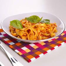 cuisine tomate recette pâtes à la tomate cuisine madame figaro