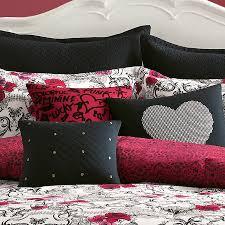 Fuschia Bedding Bedroom Create Your Bedroom Look Beautiful With Betsey Johnson