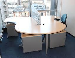 s aration de bureau mobilier steelcase 3 bureaux avec retour 2 bureaux avec cloison de