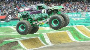 youtube monster trucks jam ultimate monster trucks gather for u0027monster jam u0027 youtube