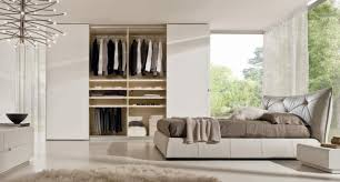 optimiser rangement chambre decoration garde robe de chambre à coucher grand lit le