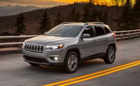jeep cherokee lights 2019 jeep cherokee loses squinty headlights gains new powertrain