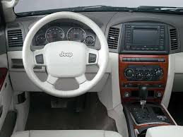 grey jeep grand cherokee interior jeep grand cherokee 5 7 limited 2005 picture 11 of 23